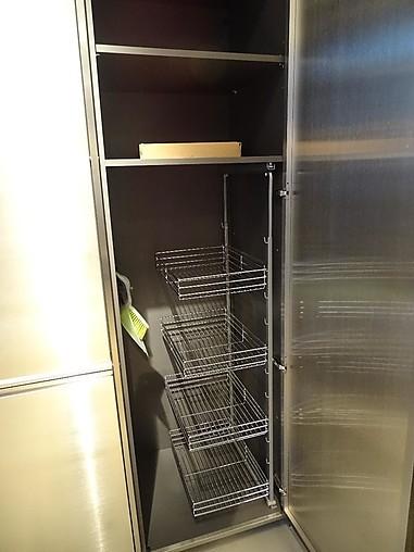 Valcucine musterkuche hochschrankelemente moderne for Moderne kühlschr nke edelstahl