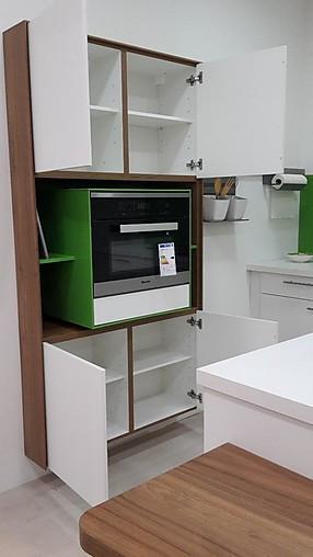 burger musterk che weiss seidenmatt mit nussbaum kombi mit. Black Bedroom Furniture Sets. Home Design Ideas