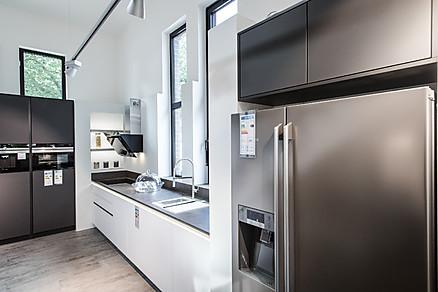 Küche kaufen mit modernen Geräten - Küchen Gruber