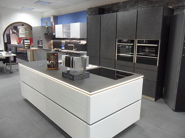 Häcker systemat bestehend aus av4030 weiss hochglanzlackund av7030 gl black star absolute hochwertige einbauküche