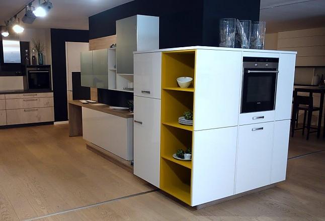 brinkmeier musterk che moderne k che mit wei er front ausstellungsk che in herford von. Black Bedroom Furniture Sets. Home Design Ideas
