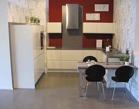 musterk chen von wellmann angebots bersicht g nstiger ausstellungsk chen. Black Bedroom Furniture Sets. Home Design Ideas