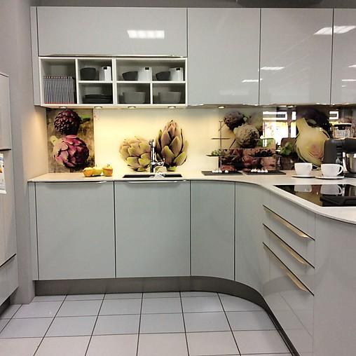Kuche lichtgrau for Kuchen design studio hallstadt