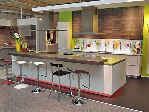 Küchen mit insellösung rational musterküche zeitlose küche mit insellösung zum