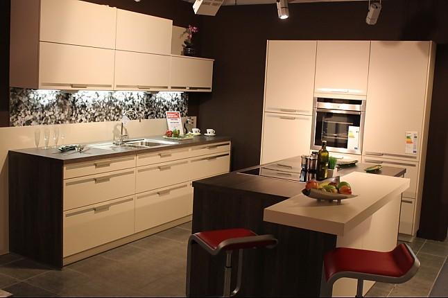 sch ller musterk che ausstellungsk chen abverkauf wegen umzug ausstellungsk che in dillingen. Black Bedroom Furniture Sets. Home Design Ideas