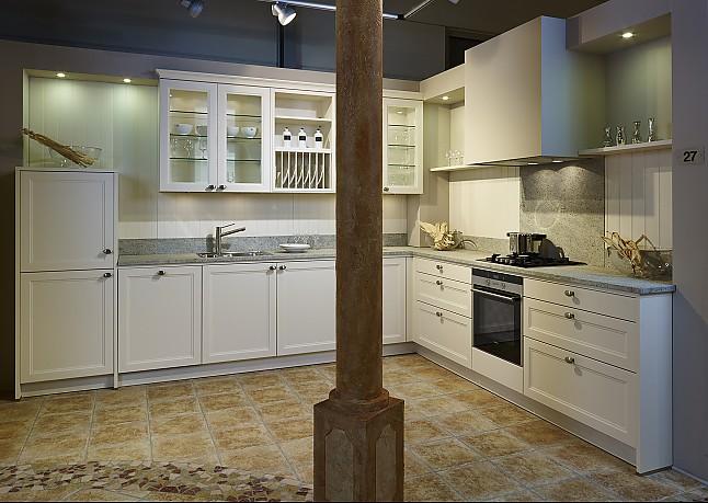 sch ller musterk che stilvolle landhausk che in magnolie. Black Bedroom Furniture Sets. Home Design Ideas
