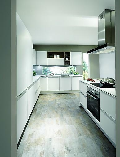 Nobilia-Musterküche perfekte L Küche mit Beton und Holz mit ...