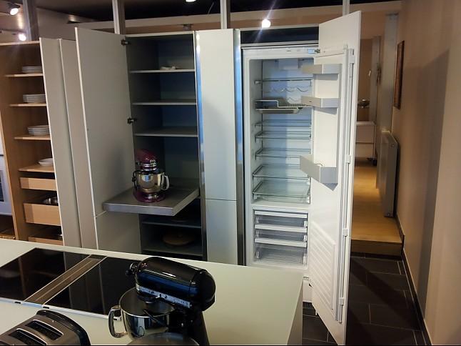 bulthaup-Musterküche bulthaup Luxus Küche: Ausstellungsküche in ...