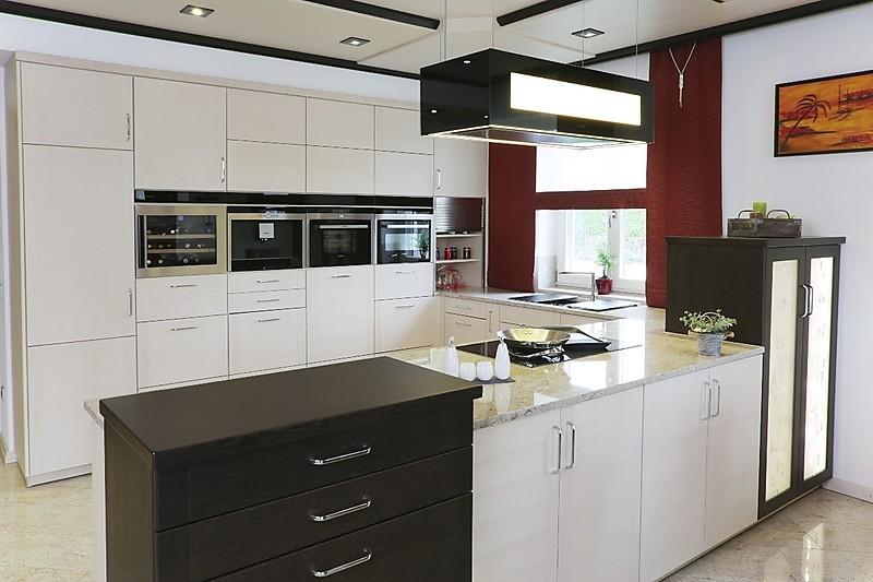 Moderne Holzküche in U-Form | {Moderne holzküchen u form 15}