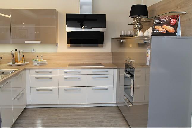 Sonstige-Musterküche U-Küche mit Sitzbereich im Raumteiler ...