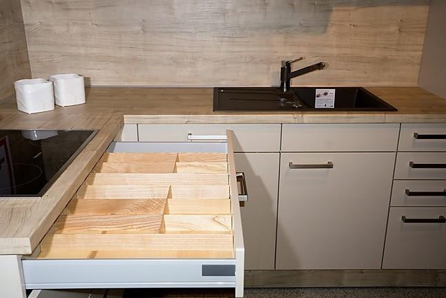 wellmann musterk che standort weiden praktisch kompakt und ein schn ppchen dazu. Black Bedroom Furniture Sets. Home Design Ideas