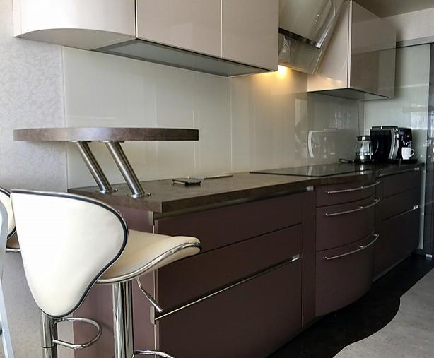 schmidt k chen musterk che halbrunde schr nke ausstellungsk che in k nigsbach stein im. Black Bedroom Furniture Sets. Home Design Ideas