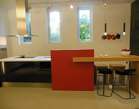 musterk chen anton thelen gmbh in w rselen. Black Bedroom Furniture Sets. Home Design Ideas