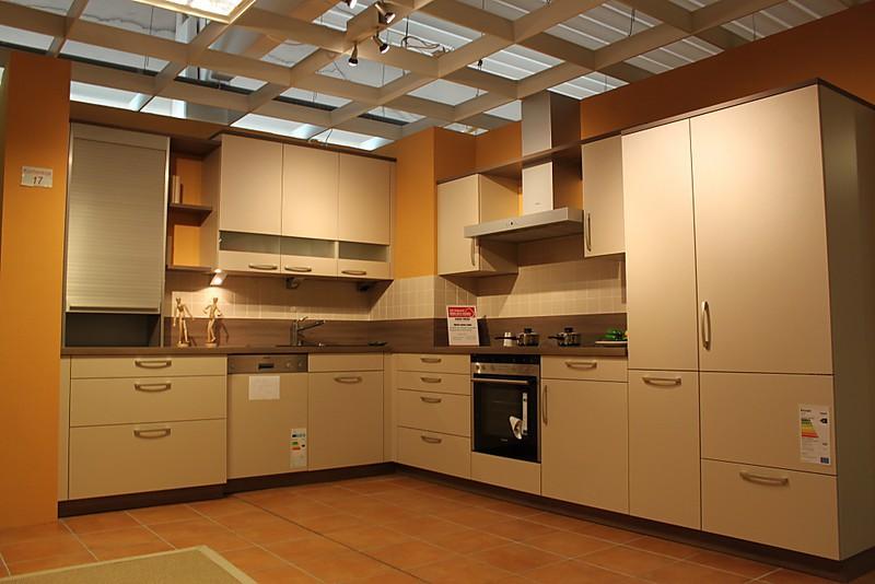 sch ller musterk che ausstellungsk chen abverkauf wegen. Black Bedroom Furniture Sets. Home Design Ideas