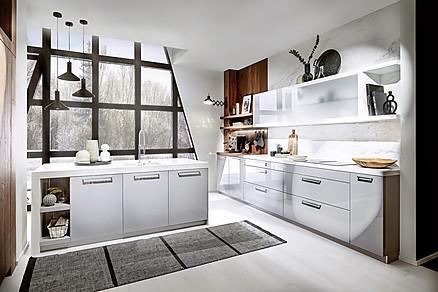 Moderne schwarze Küche