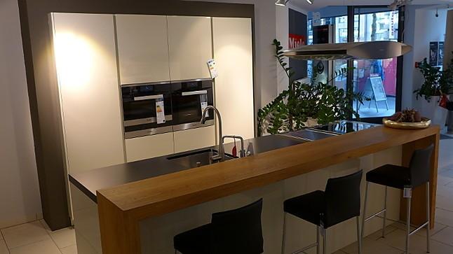 Warendorf musterkuche 669 sand glanzlack for Muster küchen