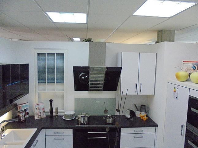 Störmer Küche störmer küchen musterküche moderne weiße küche mit abgesetztem