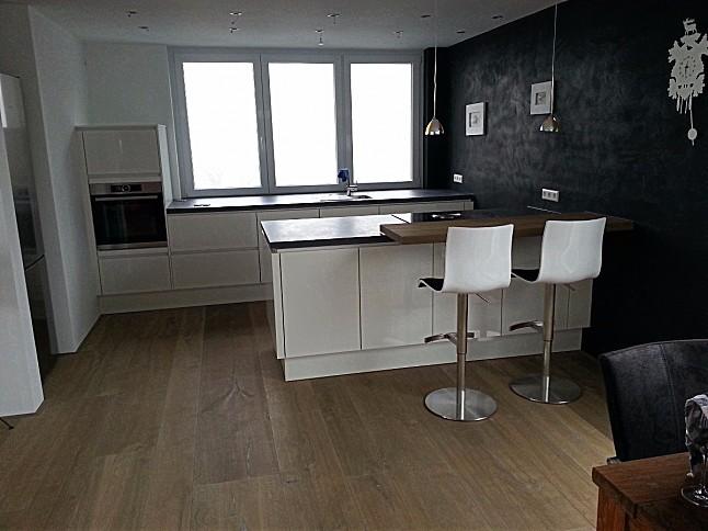 nobilia musterk che moderne grifflos k che ausstellungsk che in ettenheim von hein k chen. Black Bedroom Furniture Sets. Home Design Ideas