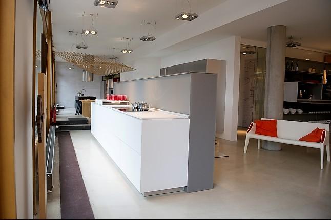 Küchenzeile Frankfurt ~ valcucine musterküche moderne, funktionale küchenzeile ausstellungsküche in frankfurt von