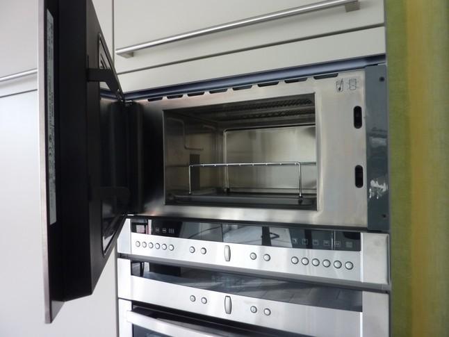 dampfgarer und kombiger te c54l70n0 einbau mikrowelle. Black Bedroom Furniture Sets. Home Design Ideas