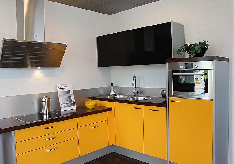 nolte musterk che reddy o solargelb ausstellungsk che in bielefeld von reddy k chen bielefeld. Black Bedroom Furniture Sets. Home Design Ideas