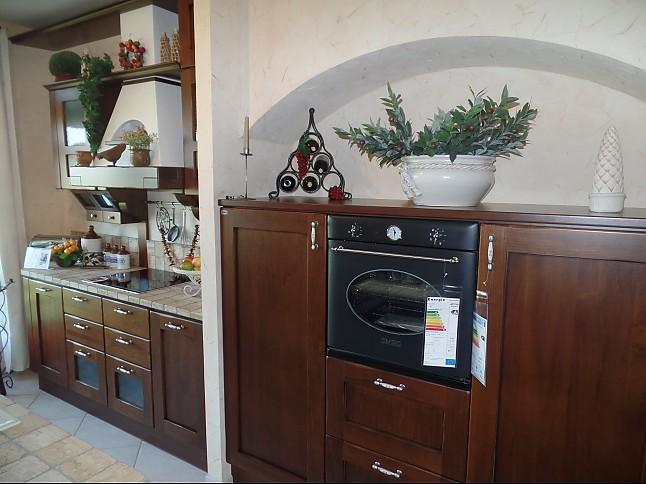 Italienische landhausküche  Gatto-Musterküche italienische Landhausküche: Ausstellungsküche in ...