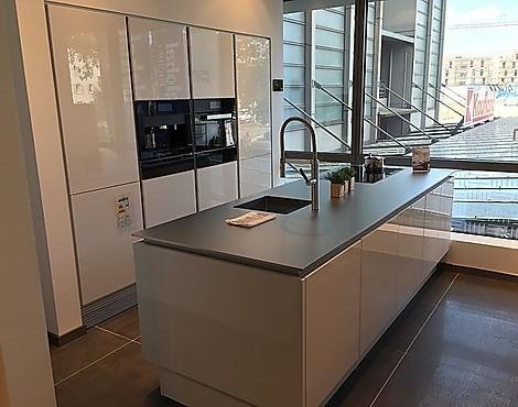 Hochglanz in polarweiß mit steelart arbeitsplatte 3356 6 segmento luxusküche