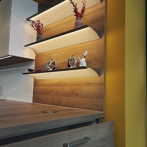 nobilia musterk che moderne einbauk che mit halbinsel ausstellungsk che in ratingen von k che. Black Bedroom Furniture Sets. Home Design Ideas