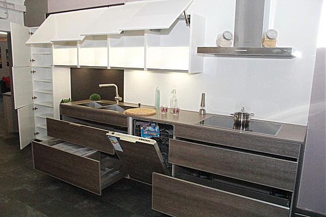 Küchenzeile mit hochbackofen dockarm