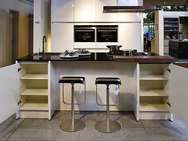 sch ller musterk che moderne insell sung in hochglanz. Black Bedroom Furniture Sets. Home Design Ideas