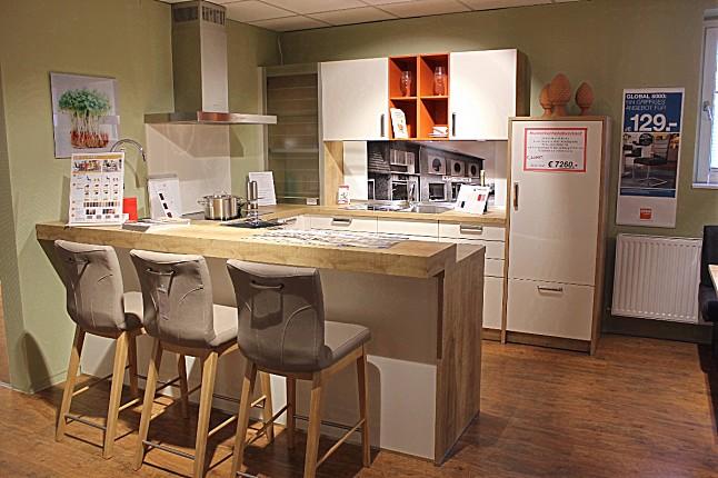 global k chen musterk che nova moderne u k che mit 9 cm starker pultplatte glas. Black Bedroom Furniture Sets. Home Design Ideas
