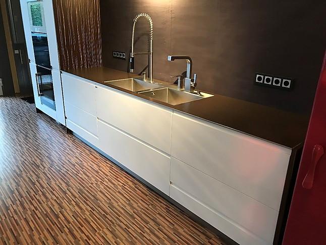 allmilm musterk che phantastische k che mit kochinsel luxus pur lack keramik edelfurnier. Black Bedroom Furniture Sets. Home Design Ideas