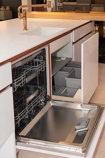 zeyko musterk che grifflose design k che mit. Black Bedroom Furniture Sets. Home Design Ideas