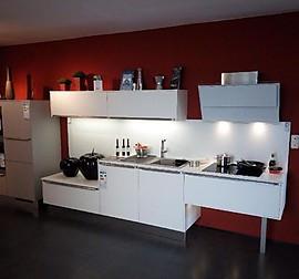 systhema musterk che junge spritzige k che f r zuhause oder das b ro ausstellungsk che in. Black Bedroom Furniture Sets. Home Design Ideas