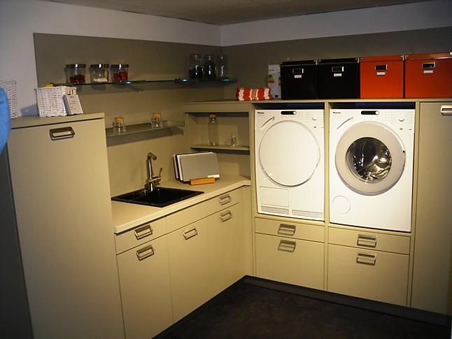 h cker musterk che hauswirtschaftsraum ausstellungsk che in bad ems von k chenstudio bingel. Black Bedroom Furniture Sets. Home Design Ideas