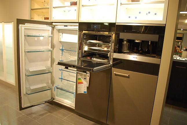 Buhl Küchen leicht musterküche hochwertige küche mit kochinsel und miele geräten ausstellungsküche in