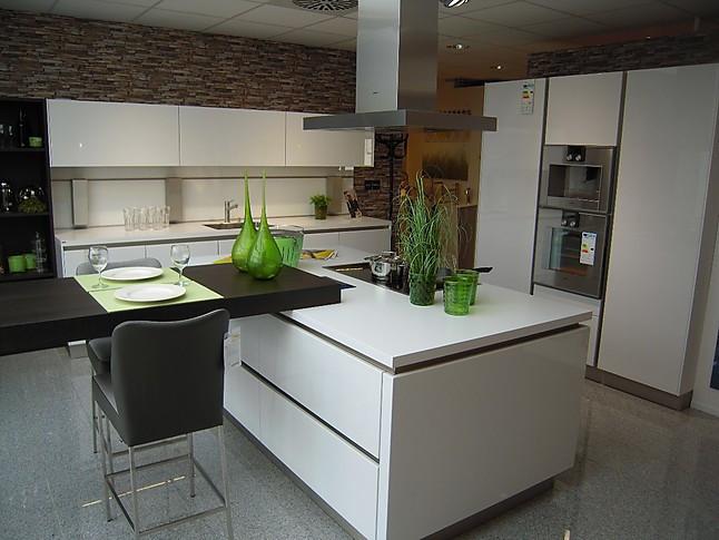 next125 musterk che grifflose hochglanz lack k che ausstellungsk che in kornwestheim von die. Black Bedroom Furniture Sets. Home Design Ideas
