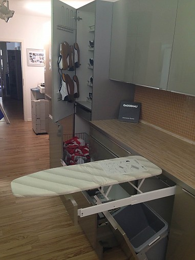 h cker musterk che hauswirtschaftsraum ausstellungsk che in budenheim von heiser 39 s k chen gmbh. Black Bedroom Furniture Sets. Home Design Ideas