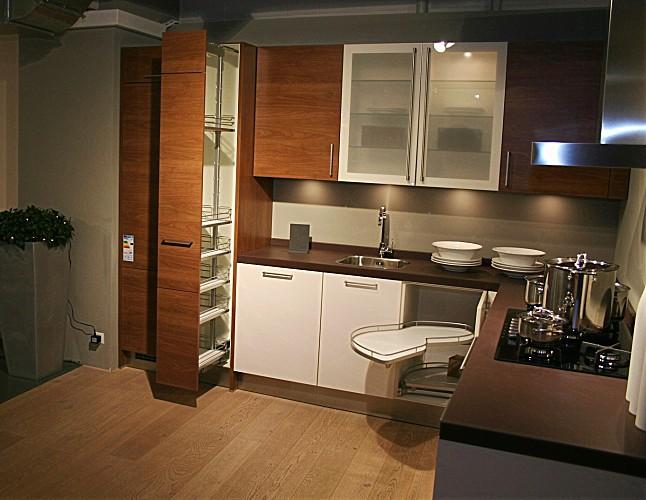 sch ller musterk che zeitlos elegante sch ller k che in. Black Bedroom Furniture Sets. Home Design Ideas