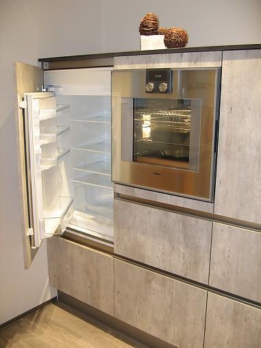bauformat-Musterküche Moderne zeitlose Küche: Ausstellungsküche in ... | {Pino küchen betonoptik 86}