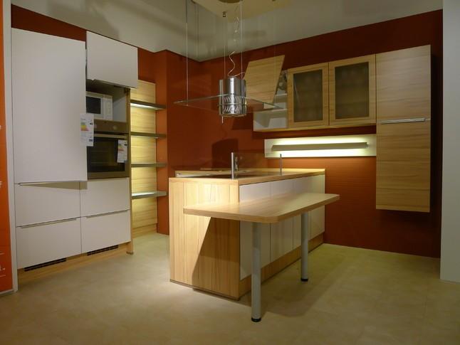 nobilia musterk che nobilia speed magnolia softmatt mit kernbuche ausstellungsk che in. Black Bedroom Furniture Sets. Home Design Ideas