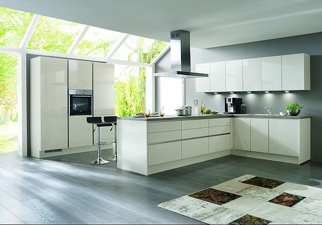 Nobilia focus weiß ultra hochglanz grifflose küche mit lackfront