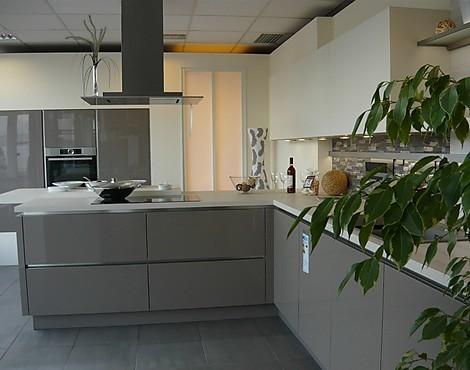 musterk chen knoll k chenstudio in bayreuth. Black Bedroom Furniture Sets. Home Design Ideas