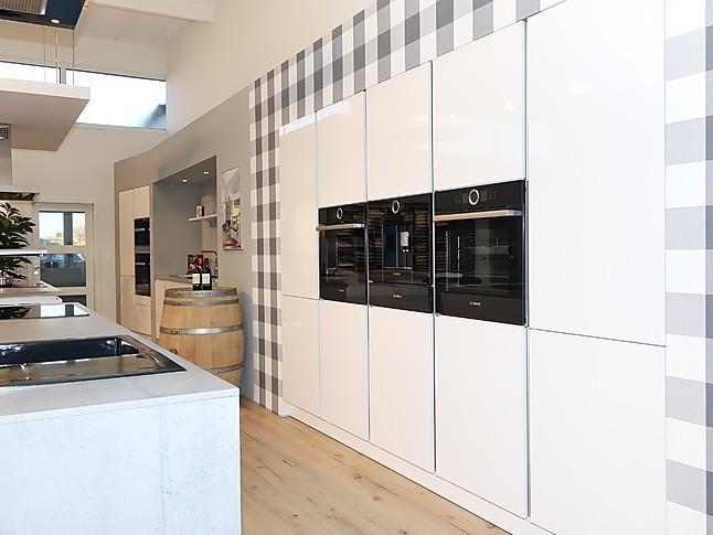 sch ller k chen wei hochglanz. Black Bedroom Furniture Sets. Home Design Ideas