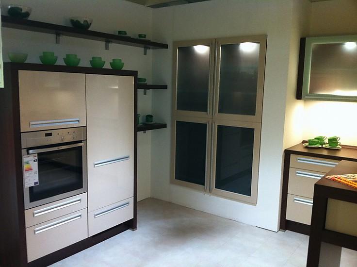 k che nobilia k che grau hochglanz nobilia k che grau hochglanz at nobilia k che grau nobilia. Black Bedroom Furniture Sets. Home Design Ideas