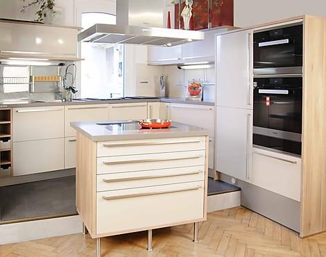 musterk chen b rse musterk chen mit k cheninsel. Black Bedroom Furniture Sets. Home Design Ideas