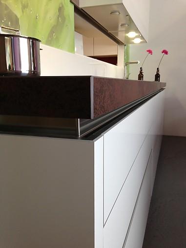 Selektion d musterk che moderne grifflose k che in for Moderne highboards