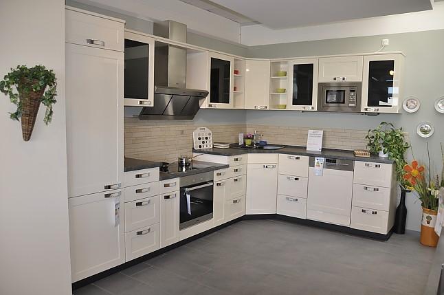 nobilia musterk che l k che in maxi arbeitsh he mit tiefer gesetzter kochnische. Black Bedroom Furniture Sets. Home Design Ideas