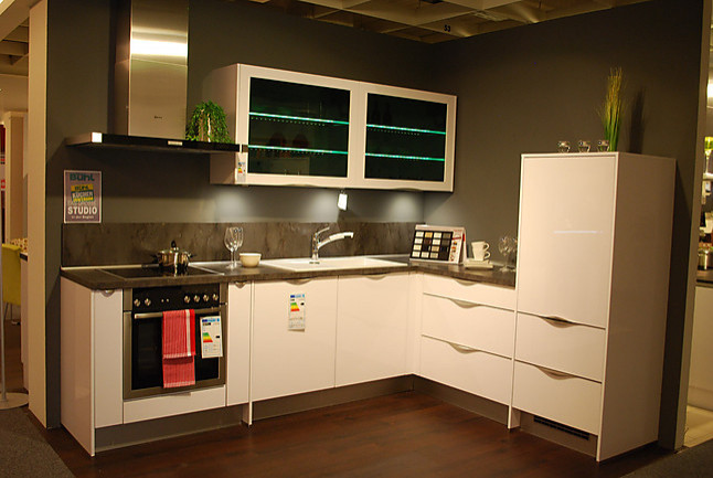 nobilia musterk che inkl hochwertiger neff ger te ausstellungsk che in wolfsburg von m bel. Black Bedroom Furniture Sets. Home Design Ideas