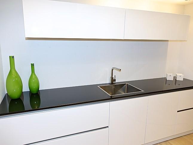 grifflose kuche magnolia die neuesten innenarchitekturideen. Black Bedroom Furniture Sets. Home Design Ideas